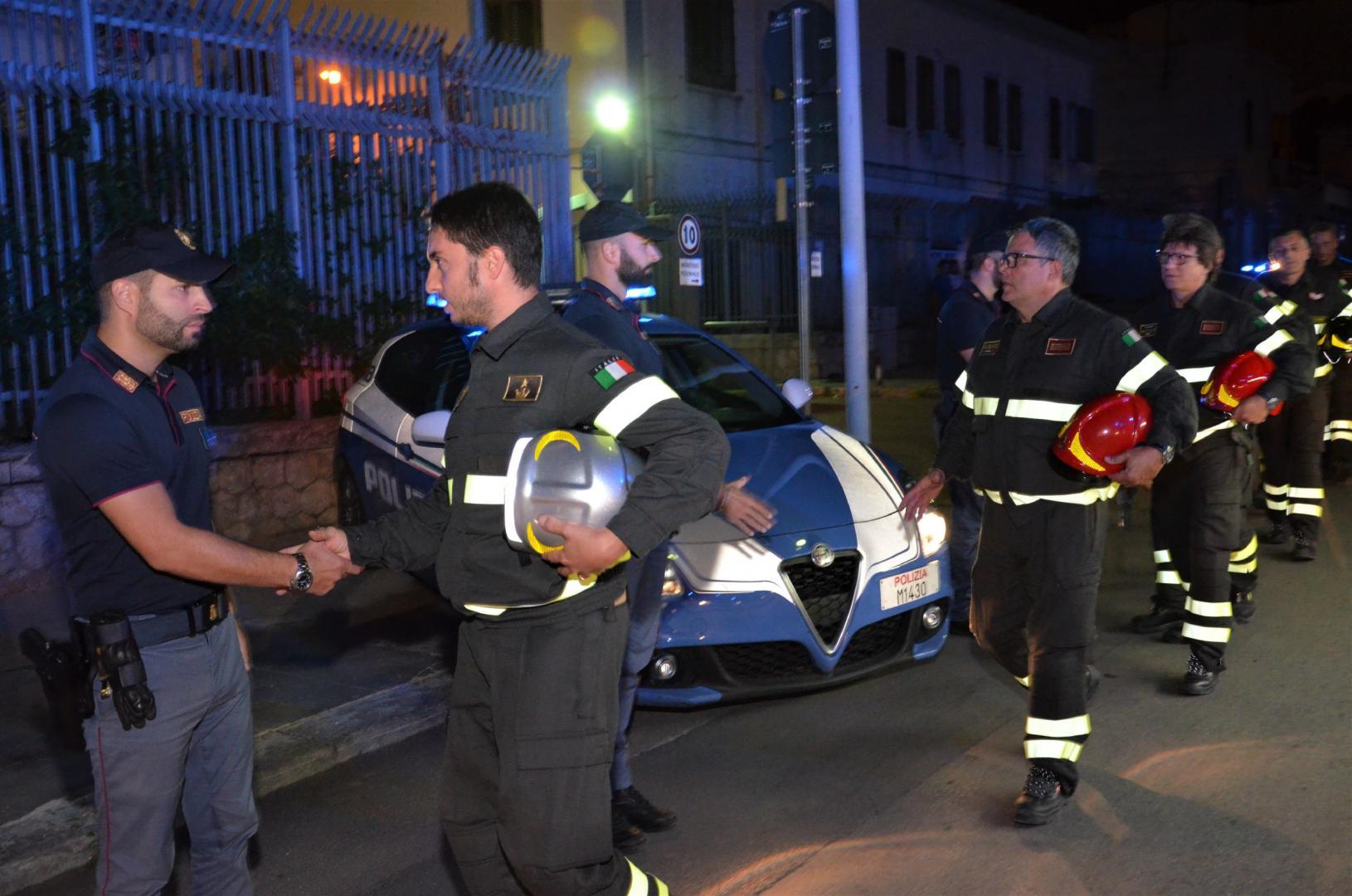 Palermo, l'omaggio dei vigili del fuoco agli agenti uccisi a Trieste – VIDEO