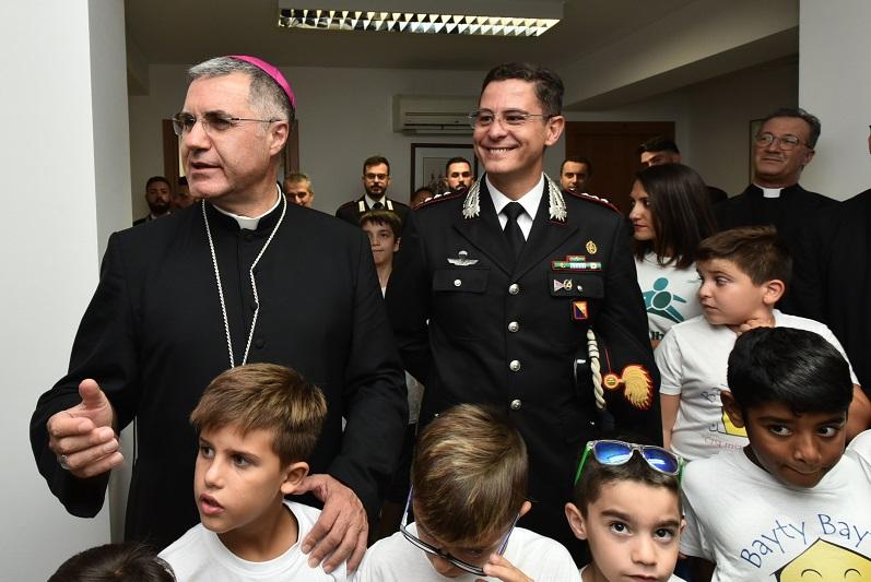 L'arcivescovo Lorefice allo Zen: incontra i bambini del progetto sulla legalità