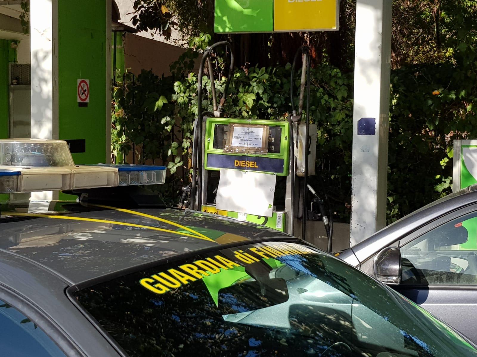 Contrabbando di gasolio, finanzieri sequestrano distributore