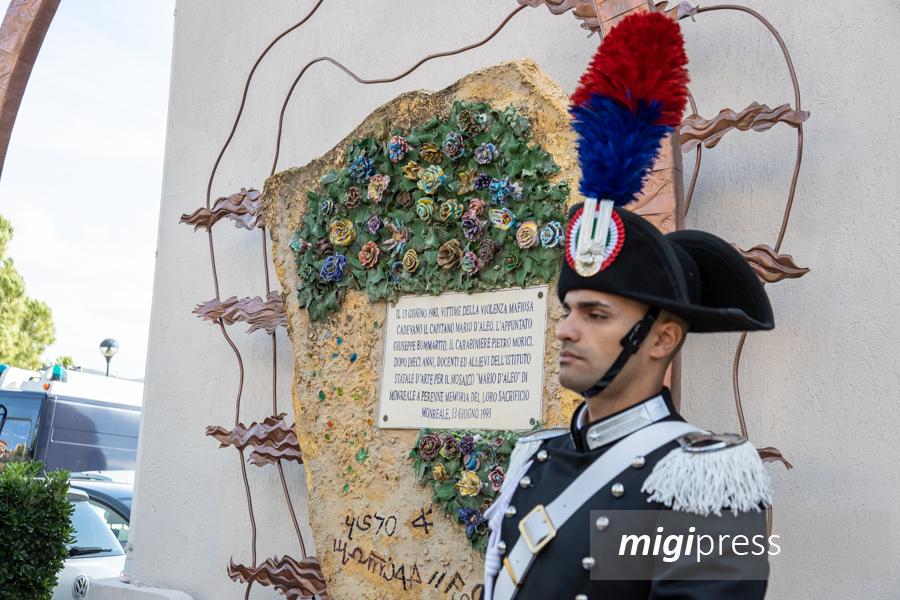 Nel giorno della Virgo Fidelis splende la scultura nella caserma dei carabinieri