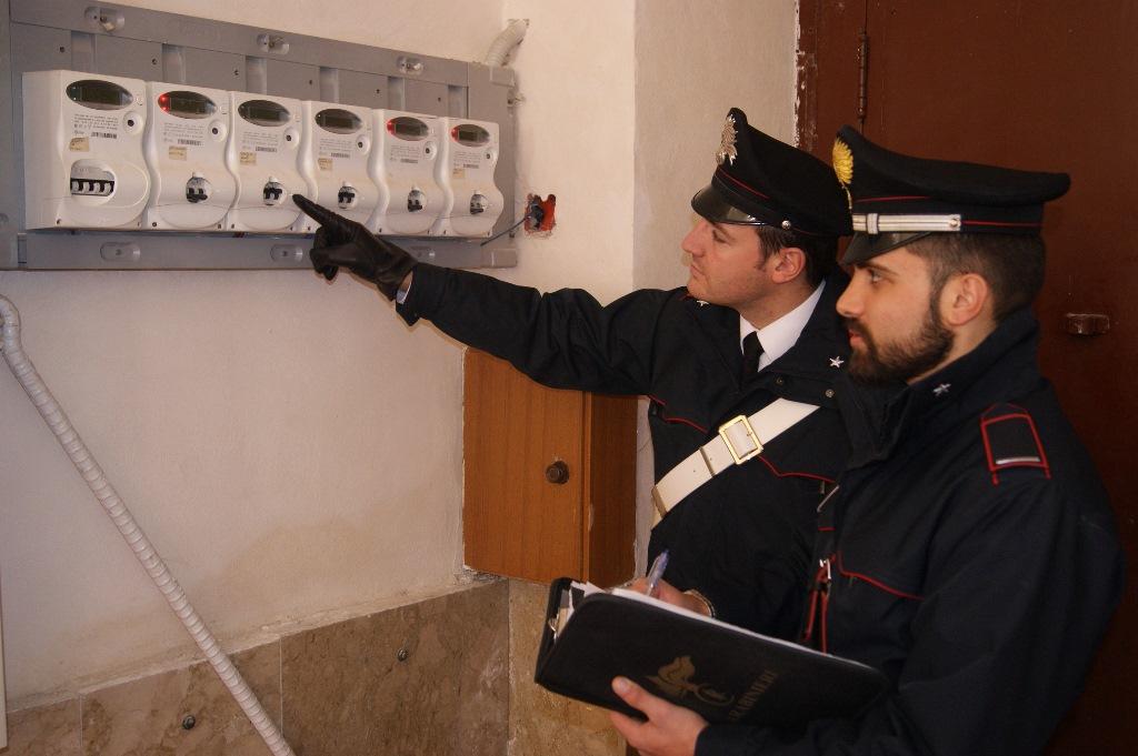 Locali occupati abusivamente e allacciati illegalmente alla rete elettrica