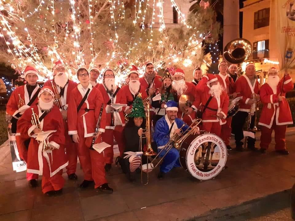 """Il concerto di Natale de """"I fiati della Normanna"""" nella chiesa di San Castrense"""