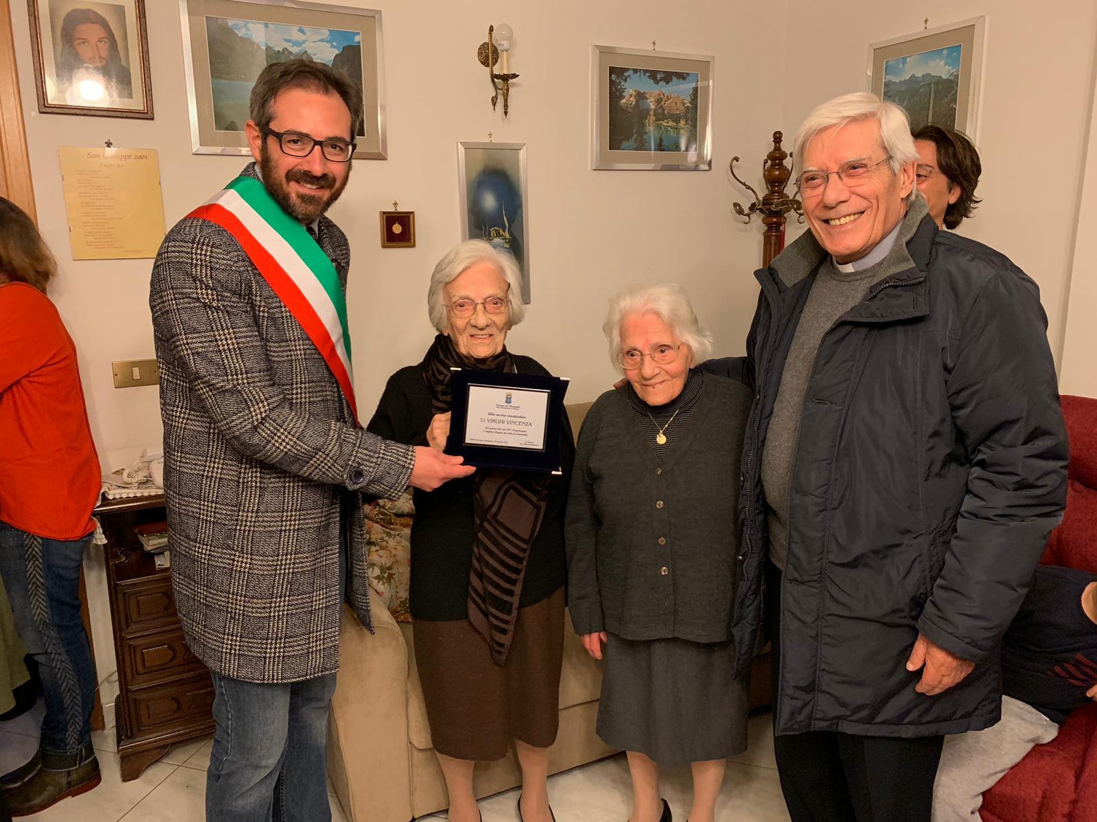 Grande festa a Monreale, zia Vincenzina compie 100 anni