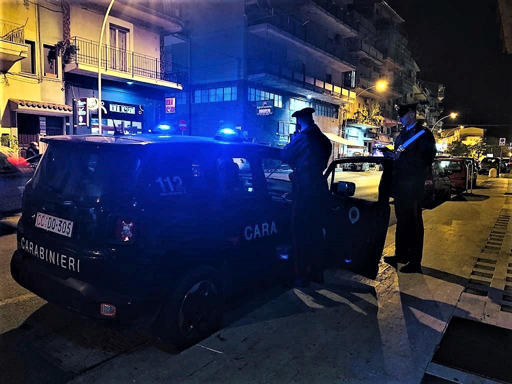 Rissa in piazza, mandato di cattura europeo per un giovane di San Cipirello