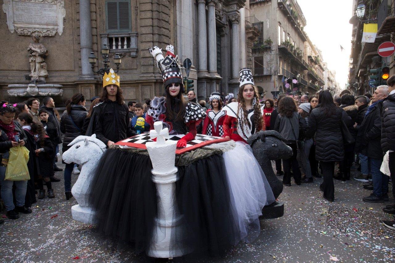 Educarnival, torna la manifestazione con maschere e carri realizzati dagli studenti