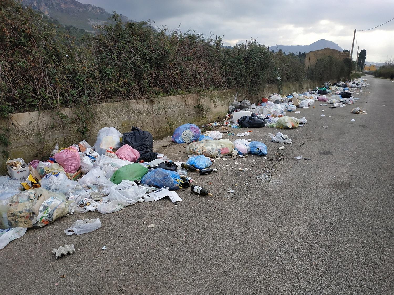 Emergenza rifiuti a Borgetto: ora i cittadini chiedono interventi immediati