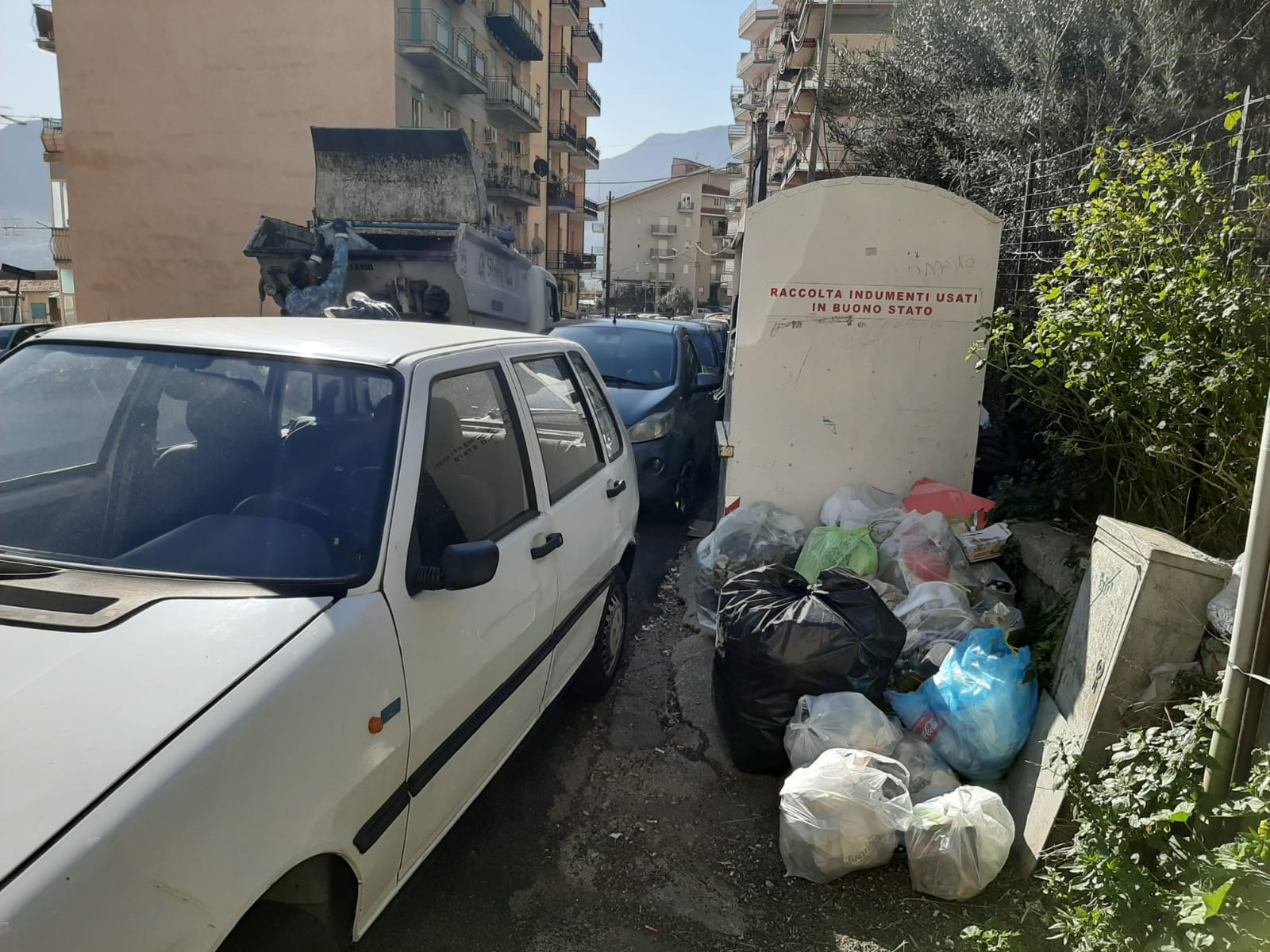 """Emergenza rifiuti a Monreale, interviene la Regione, il sindaco: """"Verso soluzione"""""""