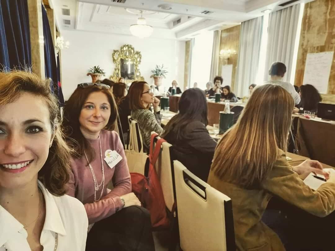 Accrescere le competenze in politica delle donne: la scuola di +Europa