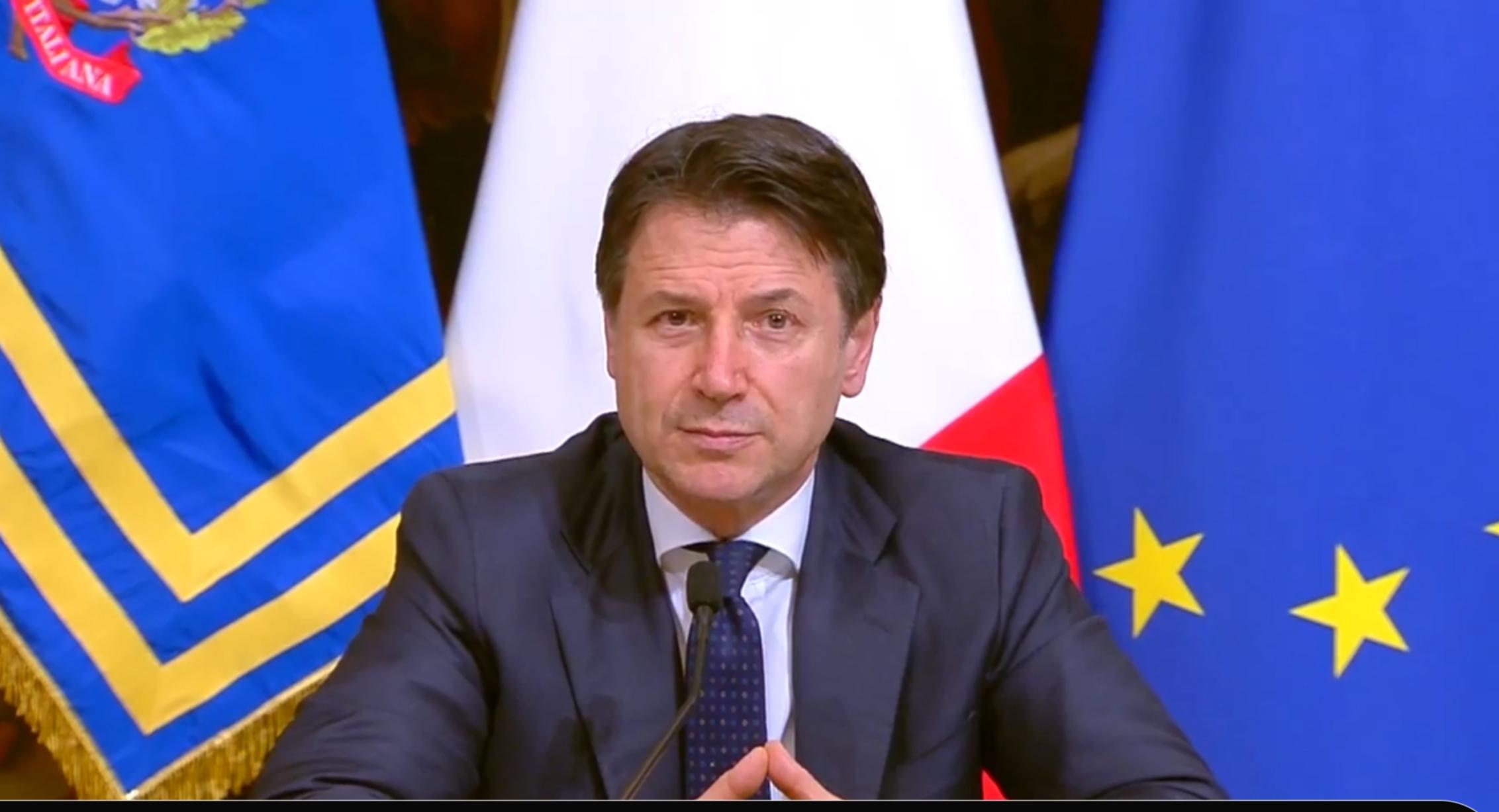 """Conte chiude ancora l'Italia: """"Dobbiamo affrontare la fase più acuta"""""""