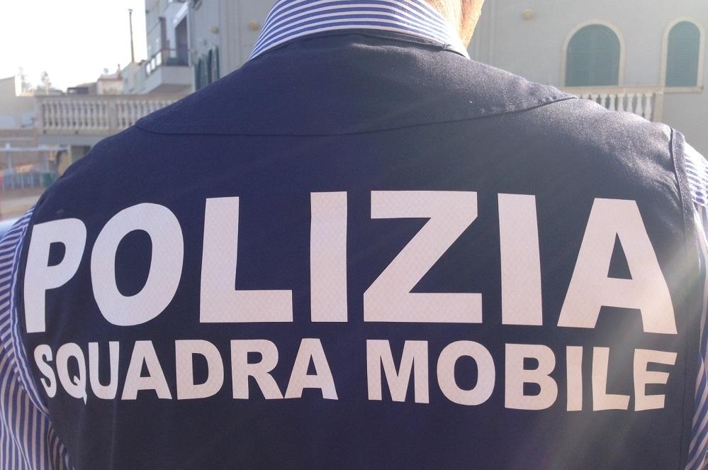 Tentata rapina all'ufficio postale: la polizia arresta il responsabile