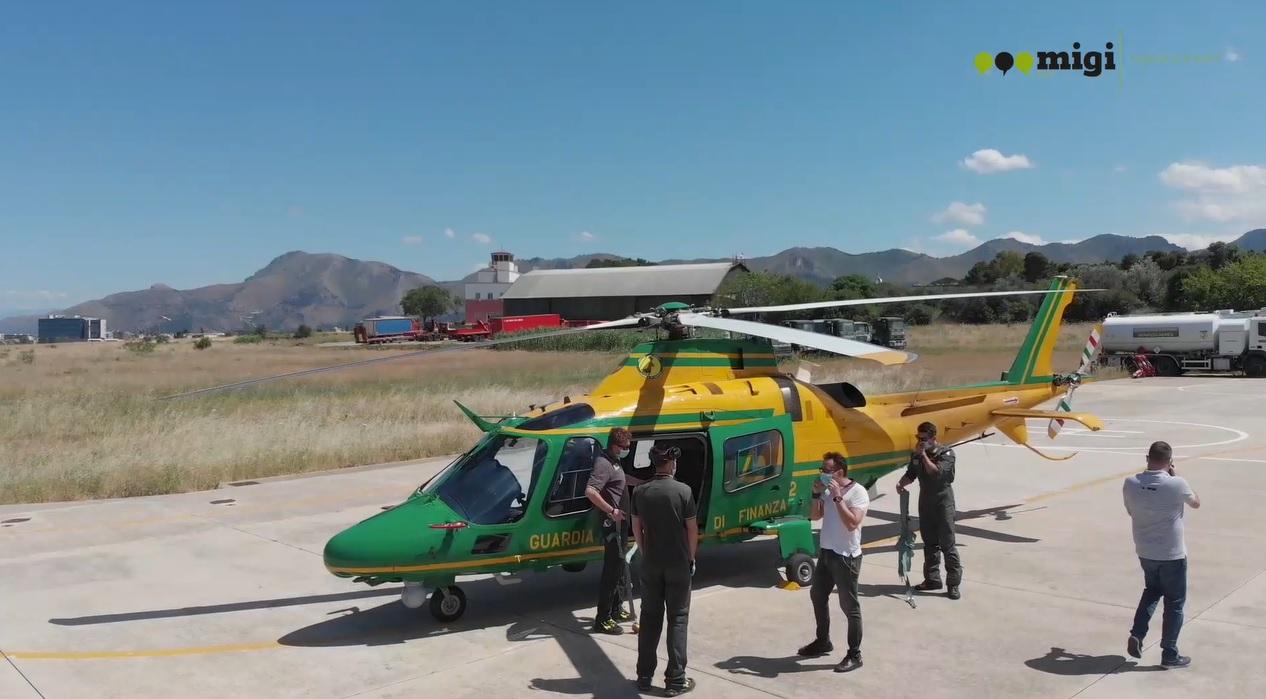 In volo su Monreale, Palermo e provincia con l'elicottero della guardia di finanza