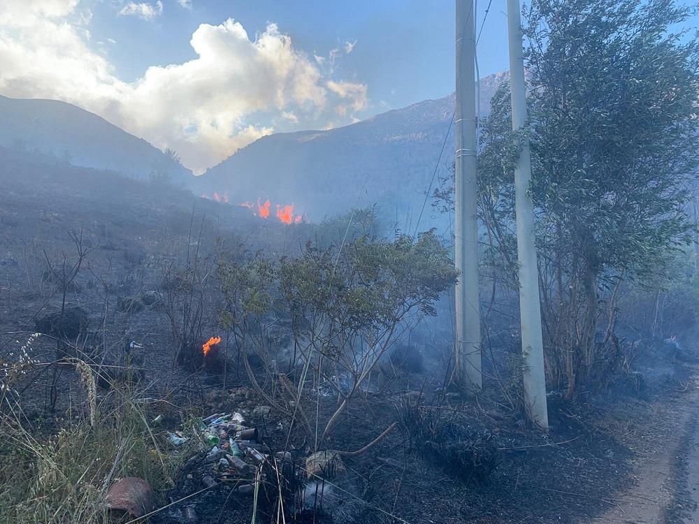 Piromani ancora in azione: incendio a Valle Paradiso