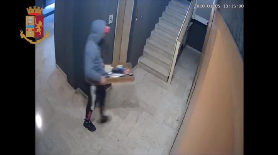 Oltre 30 furti in un mese: arrestato il ladro seriale di condomini