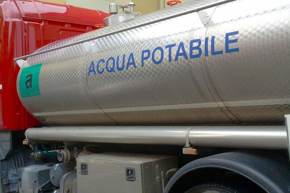 Emergenza idrica senza sosta: ecco come richiedere l'acqua dalle autobotti