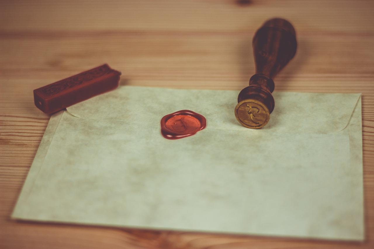 Le desecretazione d'urgenza: confusione alla corte