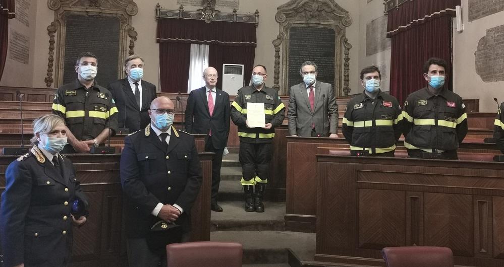 """Il nubifragio a Palermo: """"Tessera Preziosa"""" per poliziotti e vigili del fuoco"""
