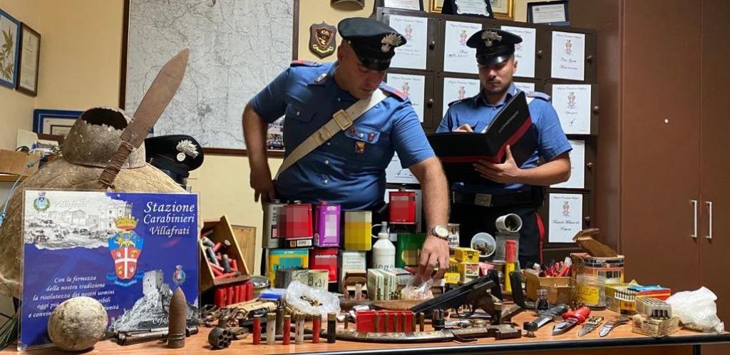 Arrestati dai carabinieri tre 87enni: in casa avevano un arsenale