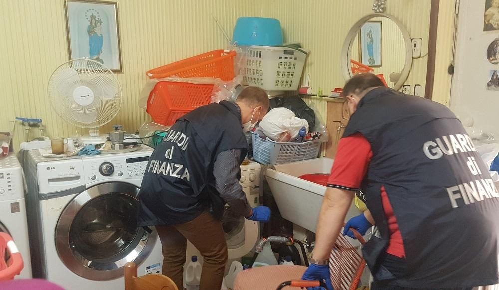 Nessuna partita Iva e nessuna autorizzazione: sequestrata lavanderia