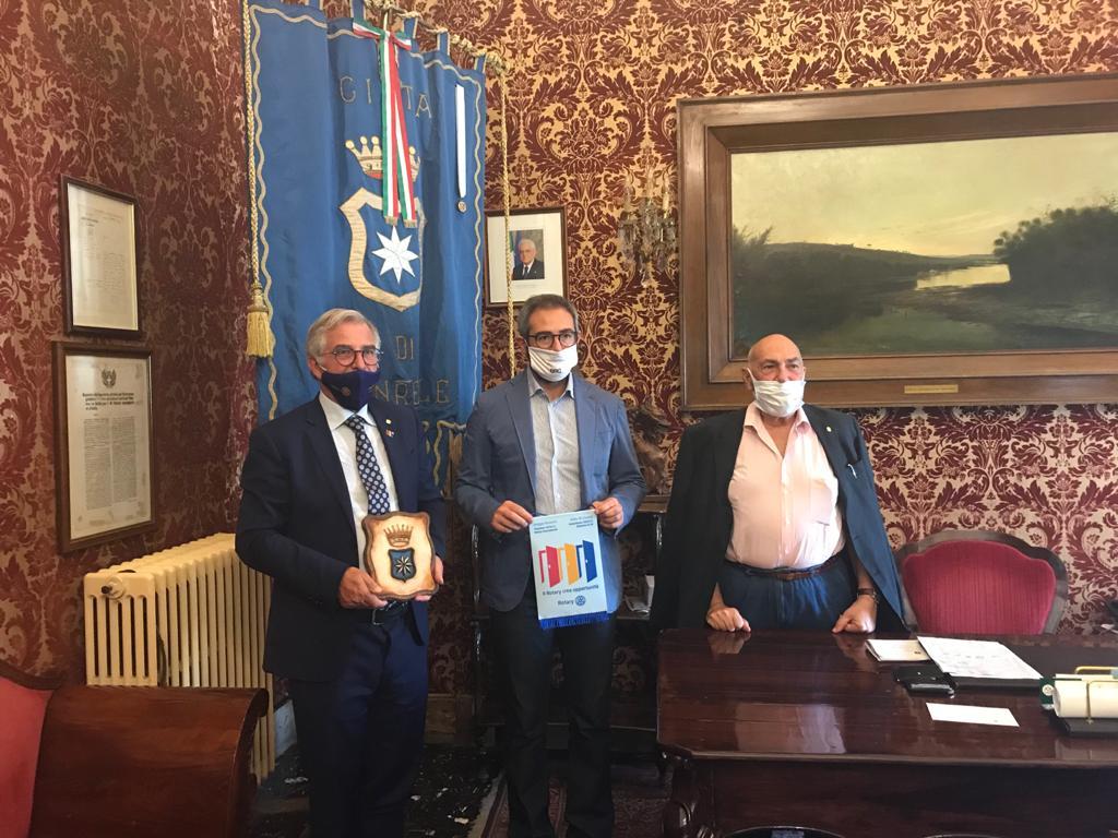 Il governatore del Rotary Club Sicilia-Malta in visita a Monreale