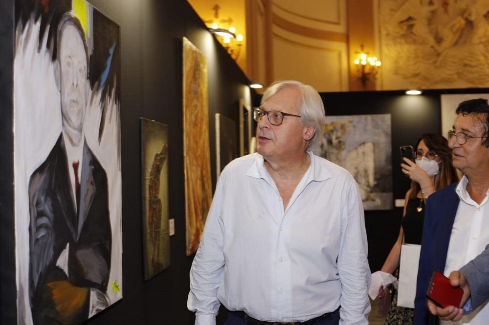 """Sgarbi inaugura la Biennale dei Normanni: """"Artisti un po' dei profughi"""""""