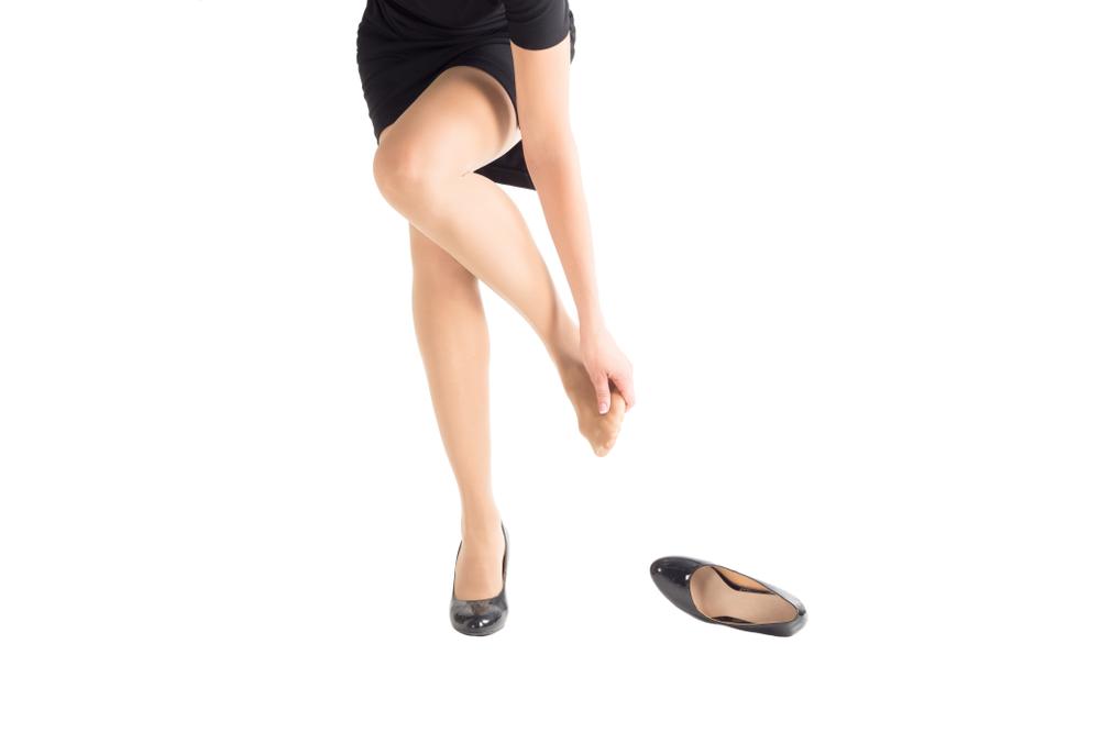 Rimedi naturali e centrifugati contro le gambe gonfie: 7 ricette per il tuo benessere