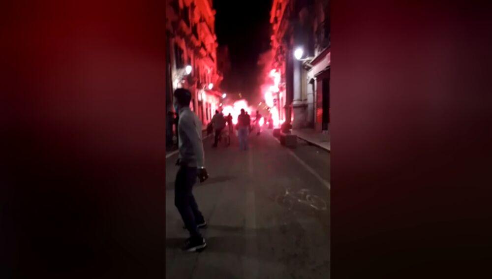 Protesta contro Dpcm si trasforma in guerriglia: feriti poliziotti e carabinieri