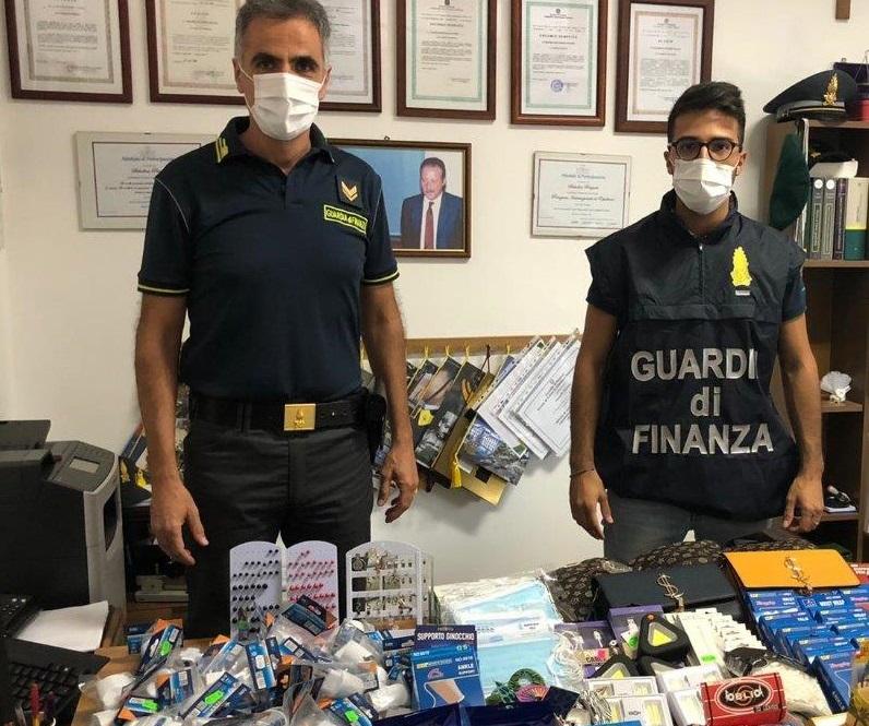 Prodotti di cartoleria non sicuri: scatta il sequestro in 4 negozi