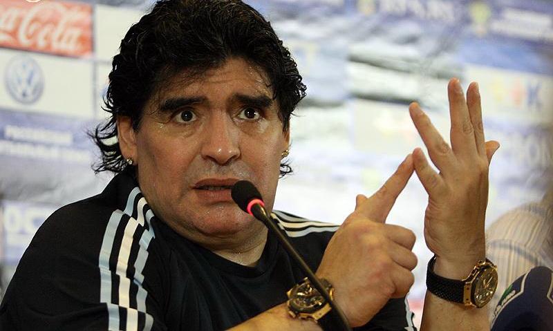 Calcio a lutto: è morto a 60 anni Diego Armando Maradona