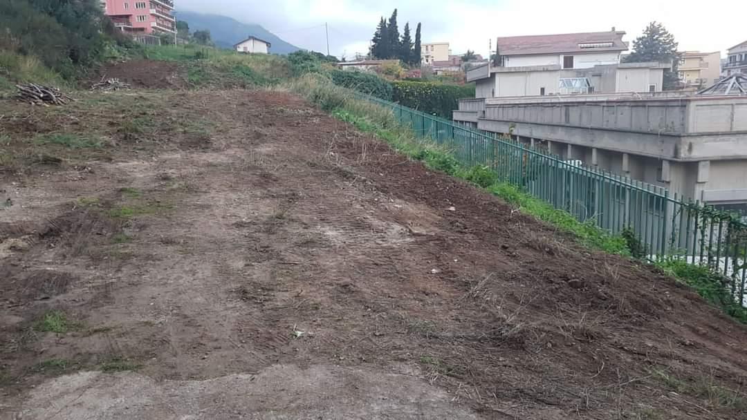Villaciambra, terreno abbandonato potrebbe diventare un'area per i giovani