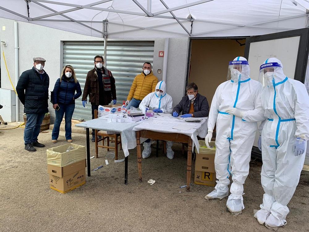 Covid, lo screening a Grisì: scoperti 6 positivi su 500 test rapidi