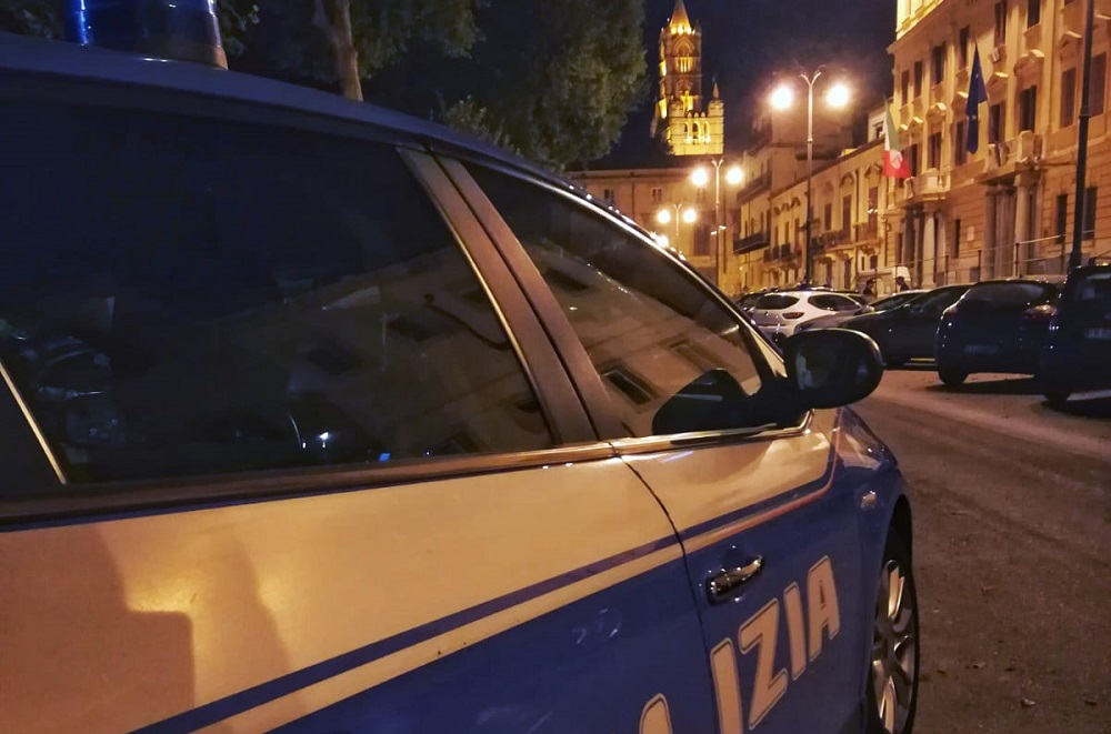 Rapina una donna fuori dal supermarket: arrestato pregiudicato