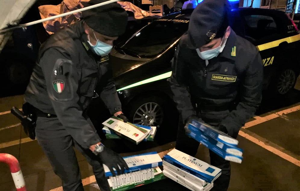 Da Tunisi a Palermo con il carico di sigarette di contrabbando in auto