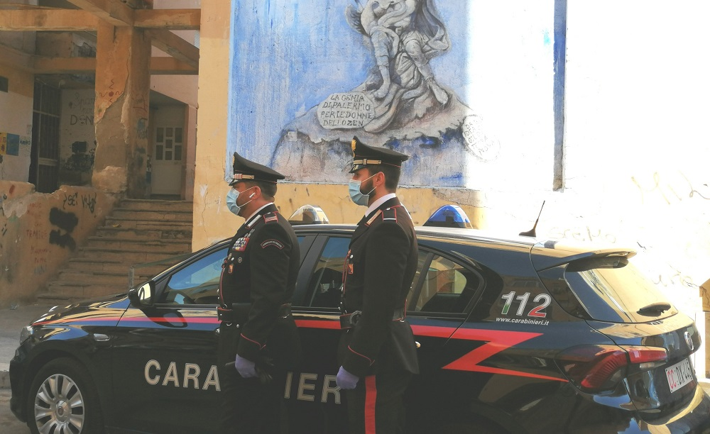 Controlli dei carabinieri allo Zen 2: arresti e multe per oltre 25mila euro
