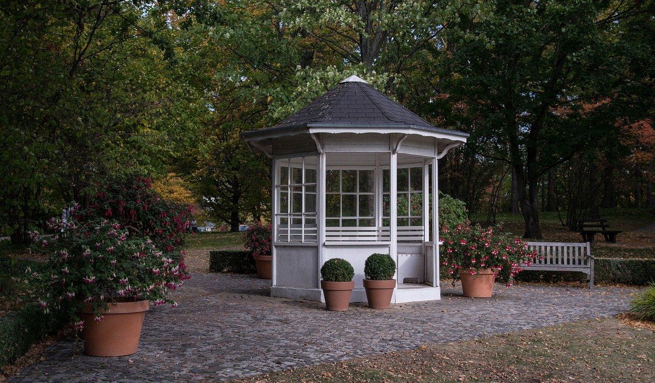 Casette da giardino in legno, un complemento d'arredo utile e originale