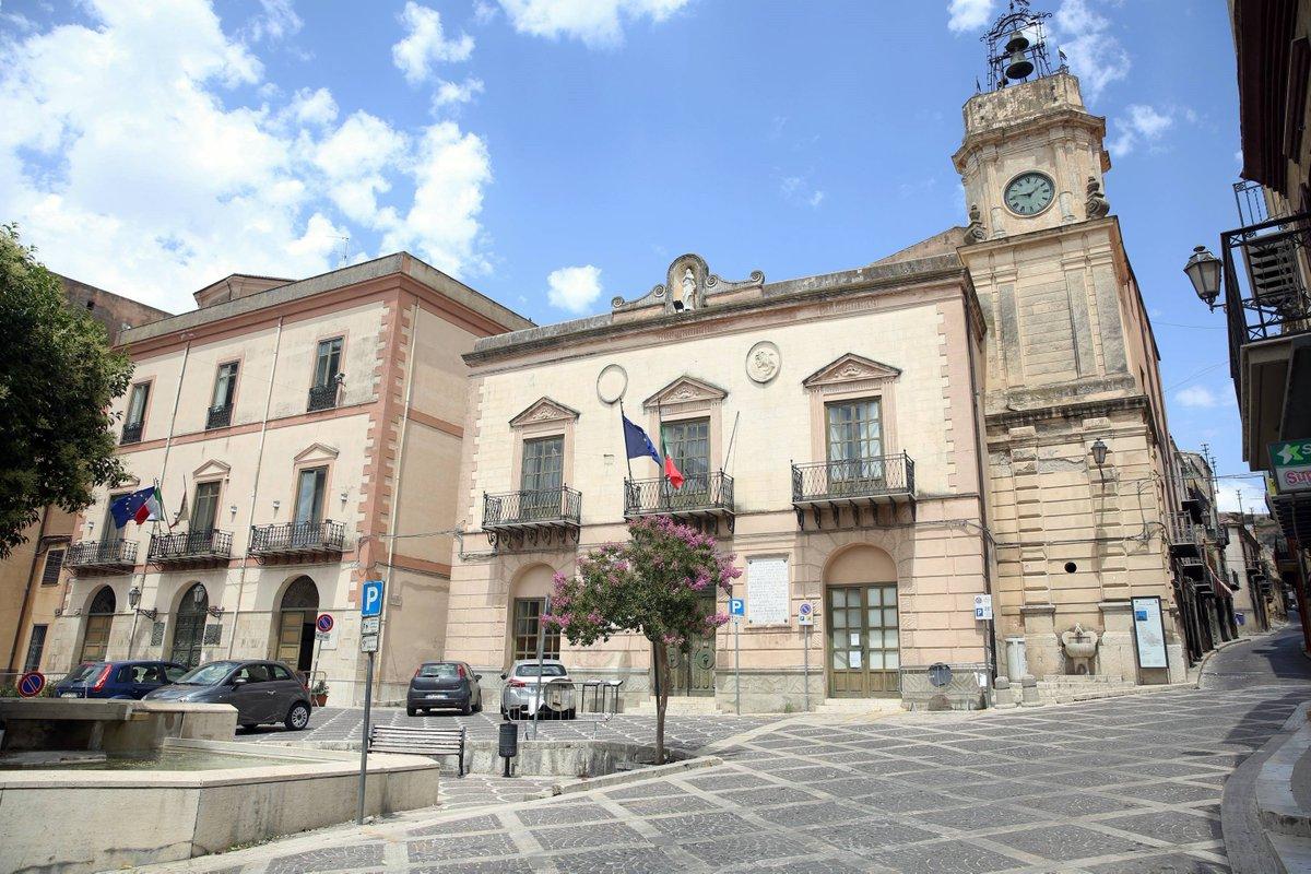 """Tra i """"furbetti"""" del vaccino anche sindaco di Corleone, Musumeci: """"Nessuna scusa"""""""