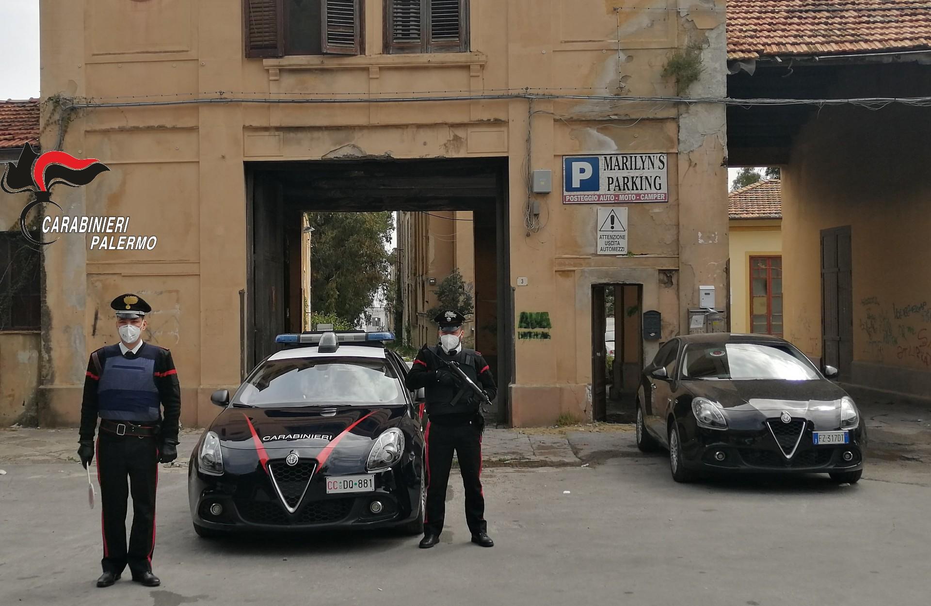 Carabinieri interrompono rave party sulla spiaggia dell'Arenella