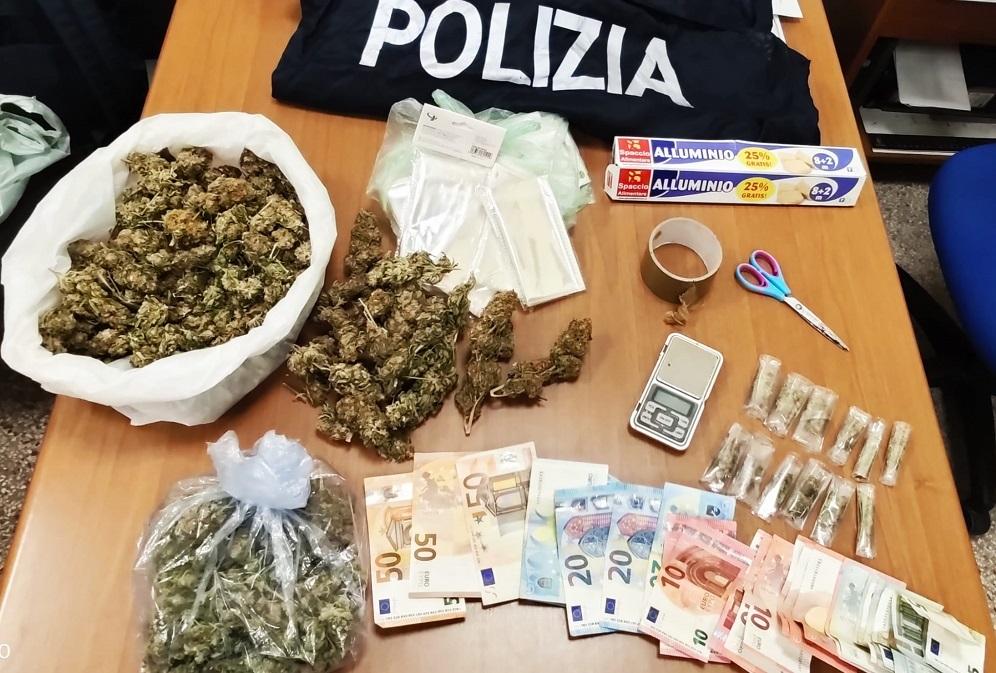 Contrasto allo spaccio di droga: arrestati tre pusher, sequestrati droga e denaro